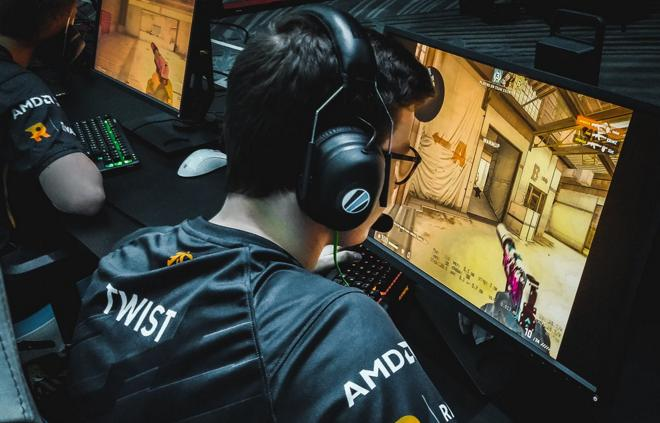 twist fnatic starseries 2019
