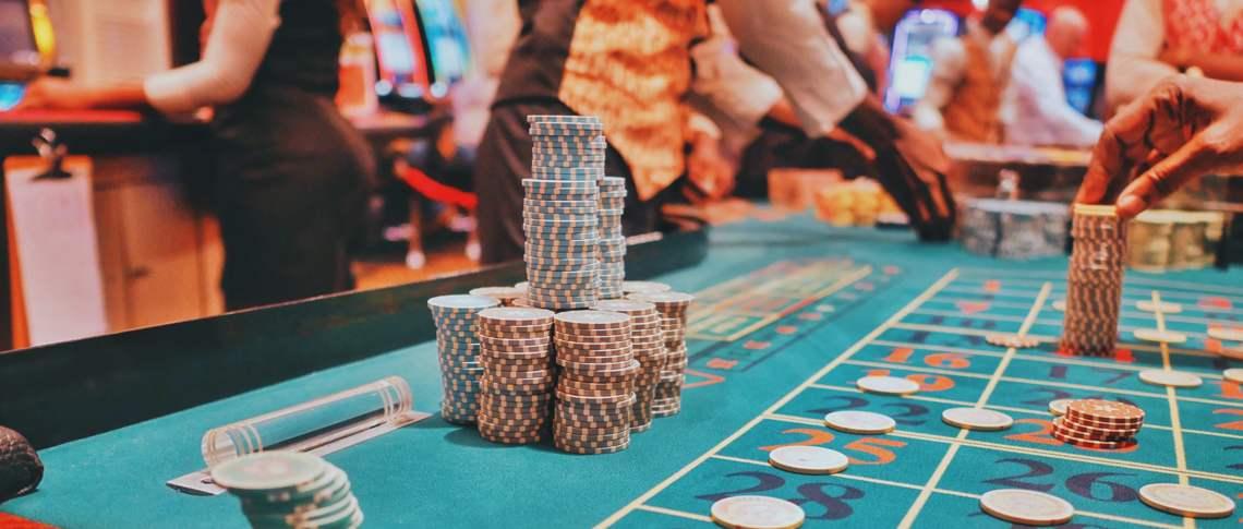 Två spelbolag i riskzonen efter olovlig reklamutskick